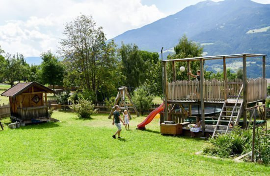 loechlerhof-brixen-spielplatz (5)