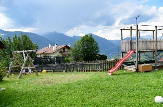 loechlerhof-brixen-spielplatz (7)