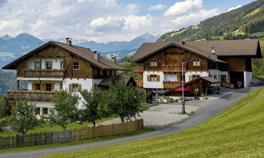 Der Löchlerhof am Ploseberg - Ihr Urlaub auf dem Bauernhof bei Brixen